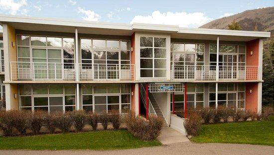 Aspen Meadows Resort : One of the buildings