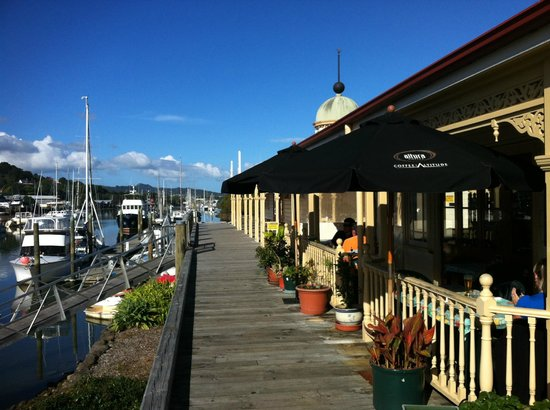 Town Basin: Board walk café