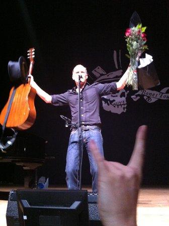 Peabody Auditorium : Bryan Adams show 05-19-2013