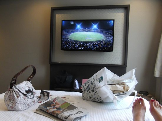 DoubleTree by Hilton London Ealing: great tv almost as big as room