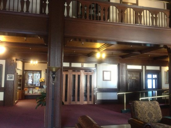 Eureka Inn: In lobby looking towards the registration desk with old telephone booths present