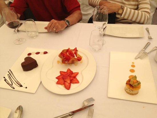 La Marquesita: Dessert - so good!!