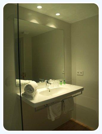 Hotel Carabela: Baño con ducha