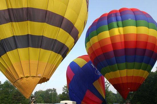The Inn at Sugar Hollow Farm: Ballooning with Mandy at her Monticello Country business.