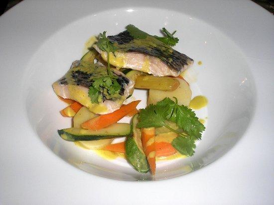 Anfiteatro Restaurant & Lounge: pez espada a la parrilla, flan de patata dulce, compota de chorizo y salsa romesco
