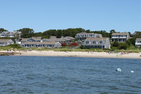 Chatham Tides Waterfront Lodging: Full property view