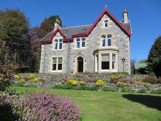 Rossmor Guest House