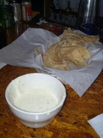 Tower 7 Baja Mexican Grill: chips and queso are so good!