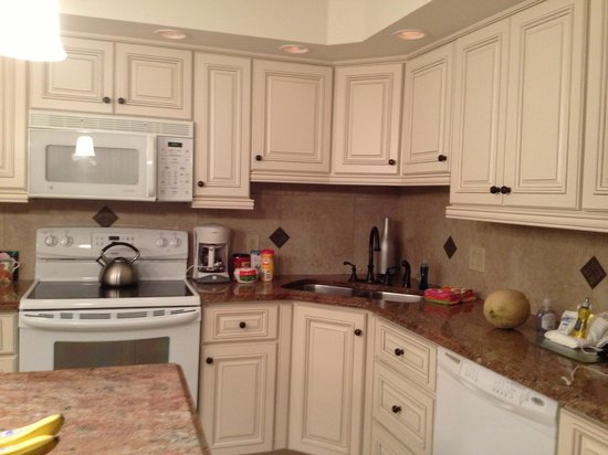 Sanibel Moorings Resort: Great kitchen