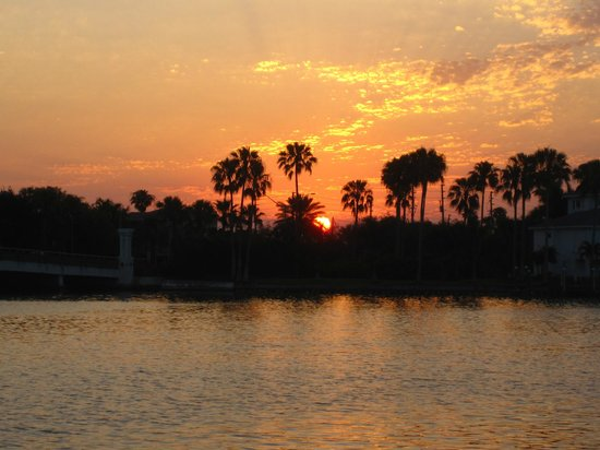 Whispers Resort at Treasure Island: Morning Sunrise On The Intercoastal