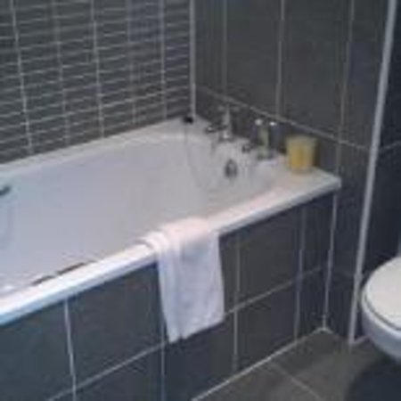 Killarney Court Hotel : Bathroom