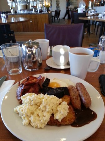 Holiday Inn Leeds Brighouse: Breakfast