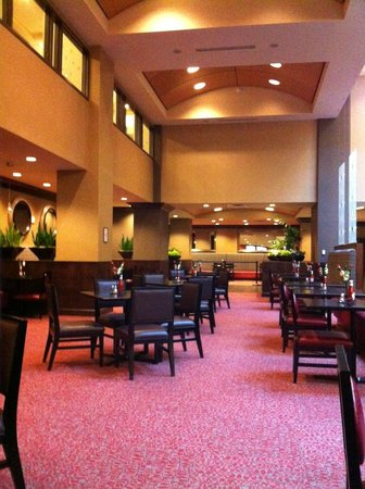 Embassy Suites by Hilton St. Louis - Downtown: Breakfast area