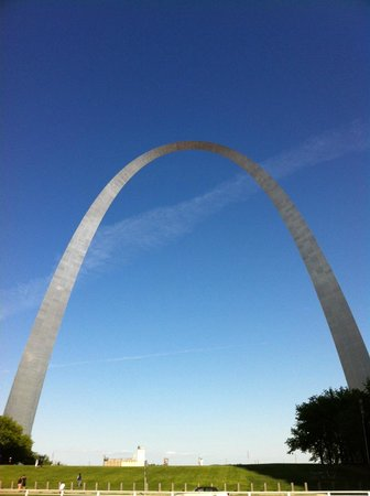 Embassy Suites by Hilton St. Louis - Downtown : The Gateway Arch