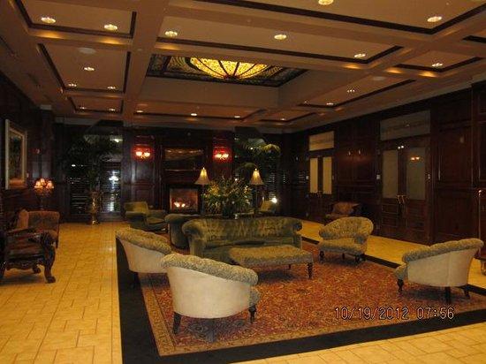 Carnegie Hotel: Classy lobby