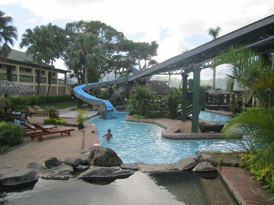 Tokatoka Resort Hotel: Poolen