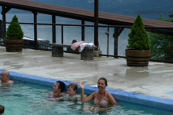 Ainsworth Hot Springs Resort: Relaxing at the main pool