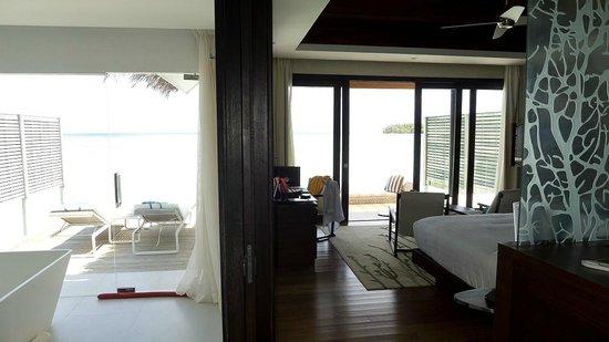 Niyama Private Islands Maldives: Ocean-front-bungalow