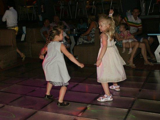 Titanic Beach Spa & Aqua Park : Dancing für Kinder