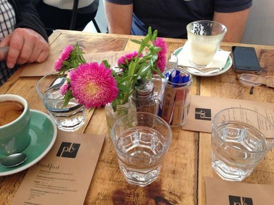 Petit Bocal: cute table setting