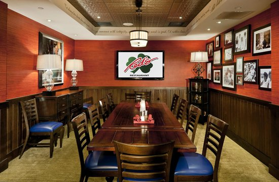 Red's Restaurant & Lounge: Red's Room - private dining room