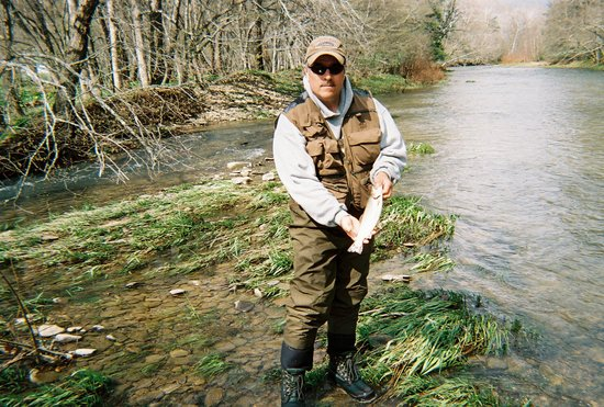 Chestnut Ridge Country Inn: Fly fishing with Larry