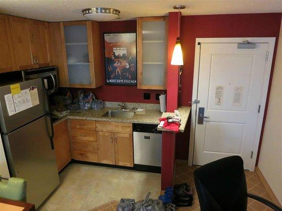Residence Inn Seattle Bellevue/Downtown : kitchen