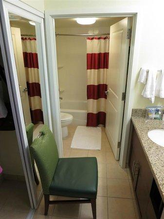 Residence Inn Seattle Bellevue/Downtown : bathroom