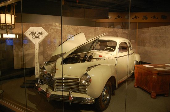 Harry S. Truman Library and Museum: 1941 CHRYSLER
