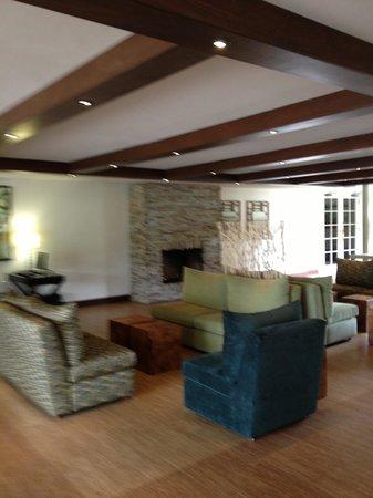Carmel Mission Inn & Fuse Lounge Cafe: The Loddy
