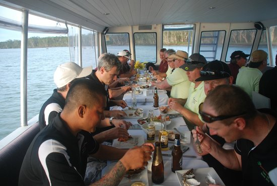 Noosa Cruising Restaurant: Seafood & Beer, the end to a perfect day!