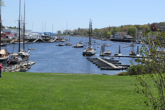 Camden Harbor Park and Amphitheatre : Camden Harbor