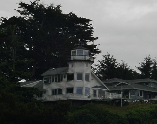Pelican Bay Lighthouse: View from the Best Western Hotel