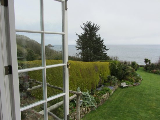 Cove Cottage: A room with a view!