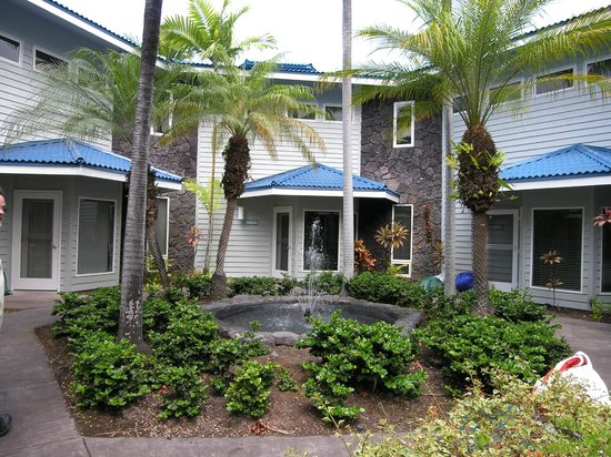 Wyndham Mauna Loa Village: Our unit in the middle