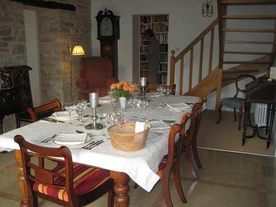 Domaine des Anges : Table set for dinner