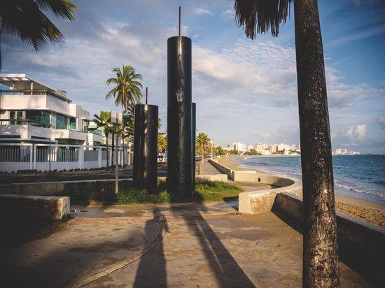 Tres Palmas Inn: down the road
