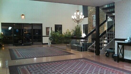 SureStay Plus Hotel by Best Western Lexington: Lobby area
