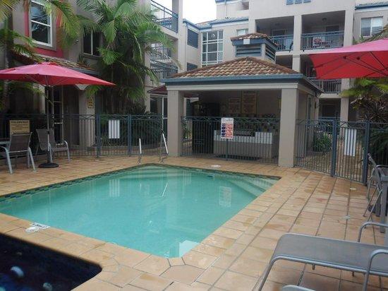 Montego Sands Resort: The pool