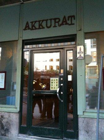 Akkurat Bar & Restaurant: Fachada