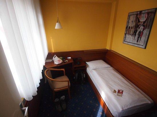Novum Hotel Rieker Stuttgart Hauptbahnhof: Economy, single room