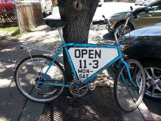Poppy's: Open 11 - 3 p.m.