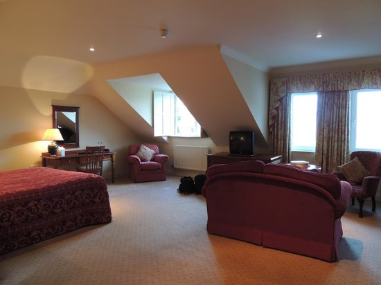 Loch Lein Country House : large room