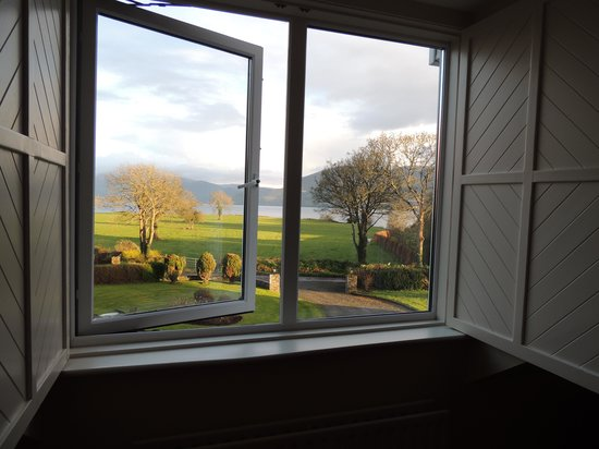 Loch Lein Country House: awesome windows