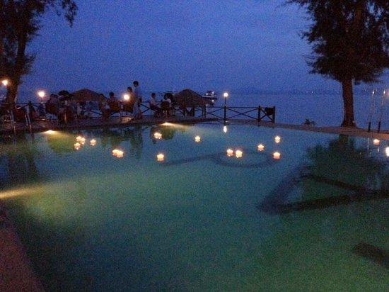 TAd Marine Resort: Night view at the pool side