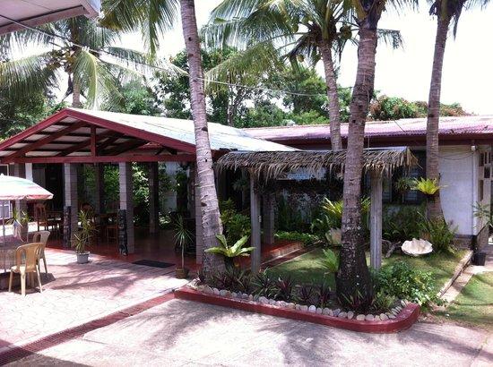 Matutina Pensionne : the front porch