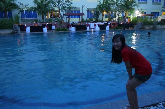 Aston Tanjung Pinang Hotel and Conference Center: The swimming pool