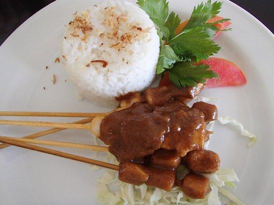 Paradise Loft Villas Jimbaran: Complimentary Chicken Satay Lunch