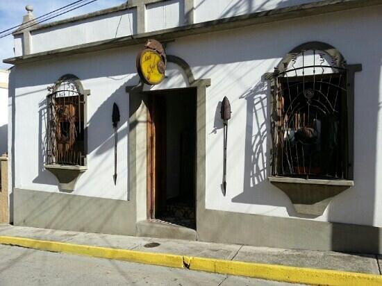 Posada Casa Sol: Frente de la Posada