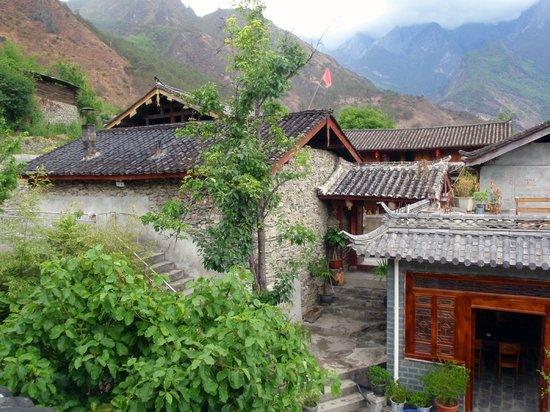 Naxi Family Guesthouse : View from balcony